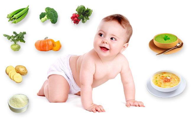 Tập trẻ làm quen với những nguồn dinh dưỡng khác ngoài sữa mẹ.