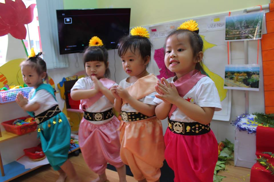 around-the-world-cung-truong-mam-non-go-vap-worldkids-2 (18)