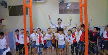 around-the-world-cung-truong-mam-non-go-vap-worldkids-2 (28)