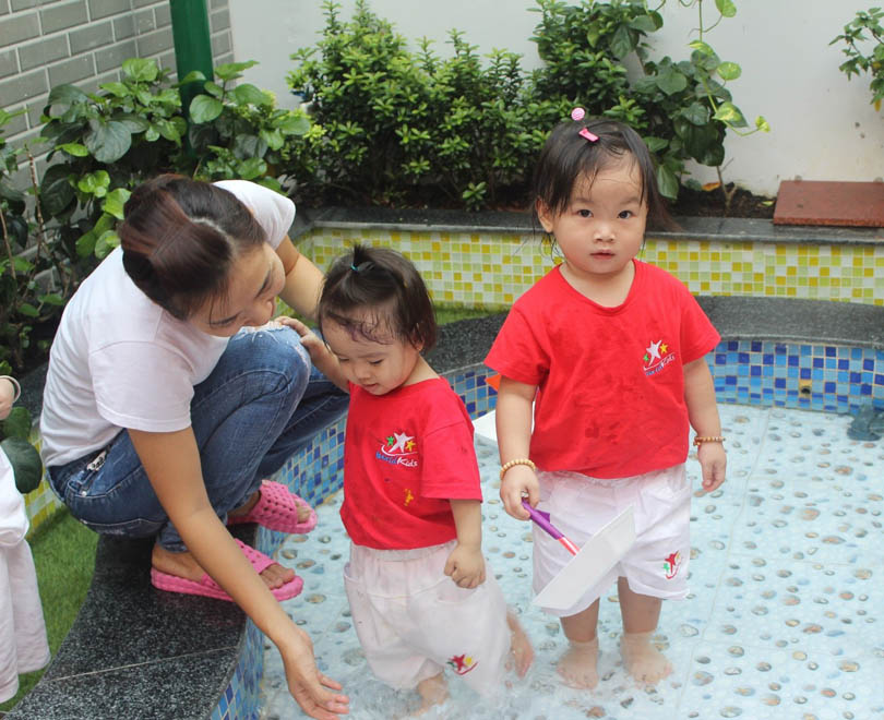 nen-chon-truong-mam-non-co-nhieu-hoat-dong-ky-nang-cho-be (3)