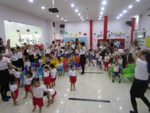 khai-giang-nam-hoc-2017-2018-cung-wis (1)