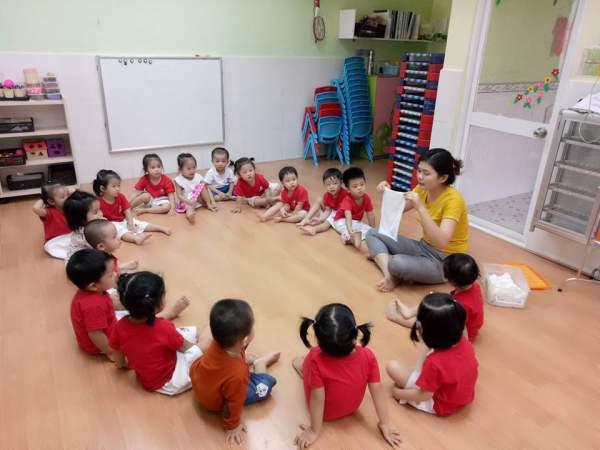 Tại sao trẻ luôn nghe lời cô giáo mầm non hơn cha mẹ?