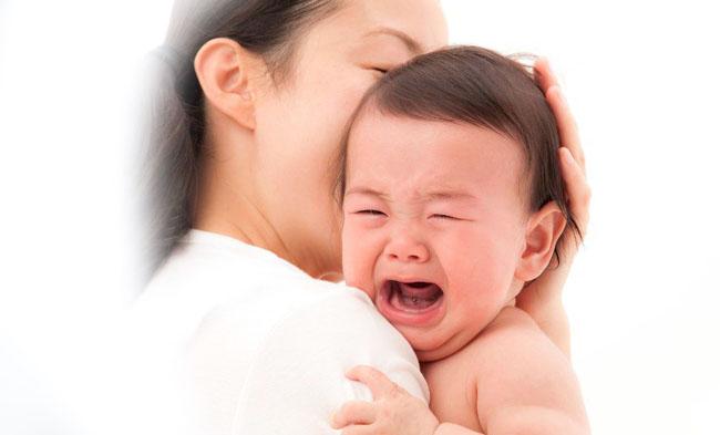 Dấu hiệu nhận biết thừa - thiếu Vitamin C thường thấy ở trẻ.