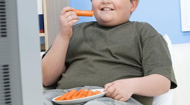 Loại bỏ các thói quen xấu có hại từ sớm, không chỉ để chống béo phì ở con