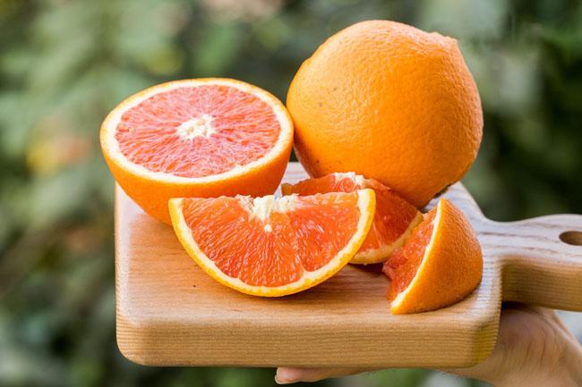 Cam là thực phẩm - hoa quả giàu vitamin C tiêu biểu.