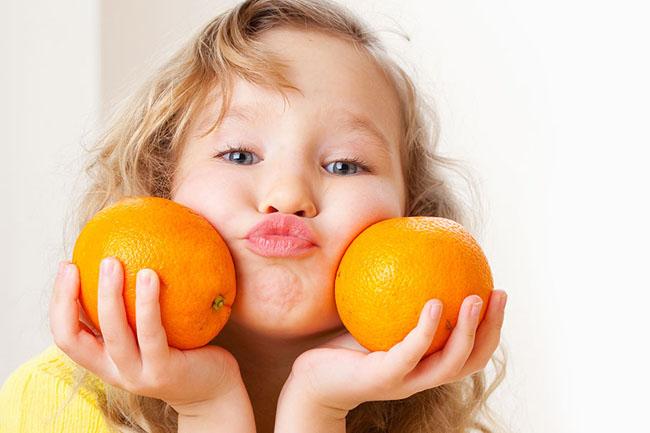 Ăn gì cung cấp đầy đủ Vitamin C cho trẻ em?