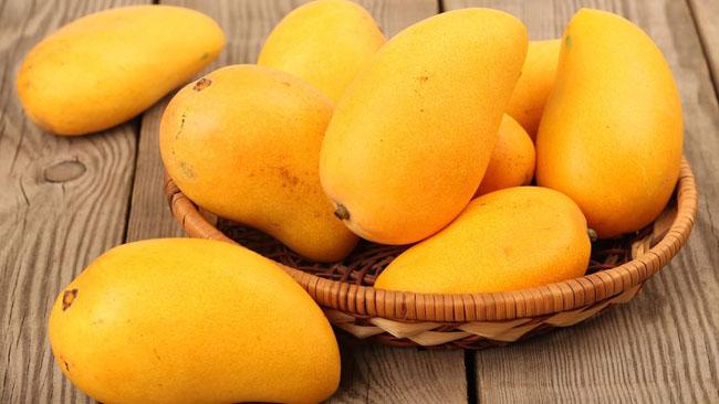 Xoài là loại hoa quả chứa nhiều vitamin C cho trẻ