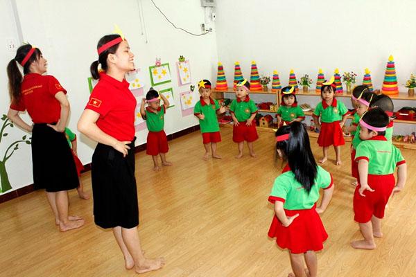 Hướng dẫn trẻ cách chơi trò đếm sao