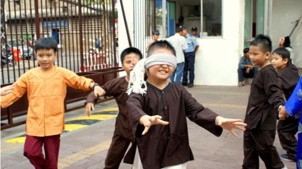 Bịt mắt bắt dê, trò chơi dân gian được nhiều trẻ yêu thích