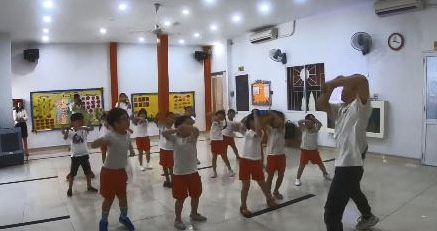 tiet-hoc-zumba-kids-soi-dong-cung-cac-be-worldkids