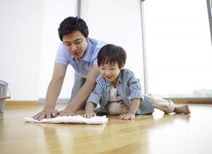10 Bí quyết dạy con làm việc nhà từ nhỏ ba mẹ nên biết