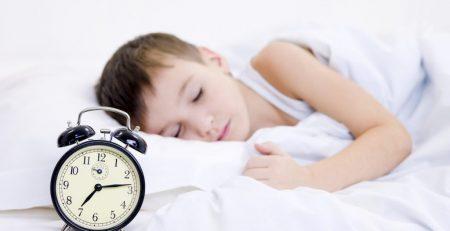 Bí quyết tập cho bé thói quen đi ngủ đúng giờ