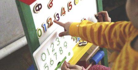 Hướng dẫn trẻ phân biệt chữ số một cách dễ dàng