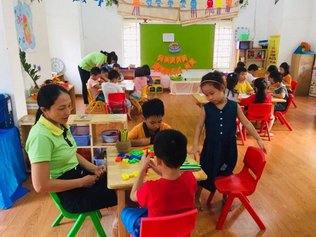 Áp dụng các phương pháp giáo dục tiên tiến kích thích sự sáng tạo và học hỏi của bé.