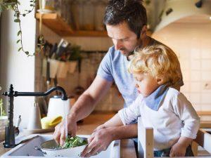 rèn kỹ năng sống cho trẻ mầm non