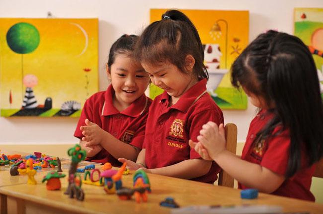 Trường Mầm non Quốc tế Quận 7 Việt Úc - Cơ sở Sunrise với chương trình đào tạo chuẩn.
