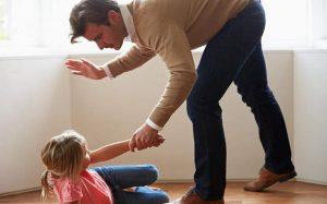 Dạy con bằng roi vọt và những tác hại khôn lường