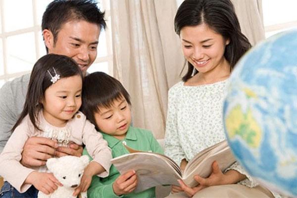 Cha mẹ là những người bạn đồng hành bồi dưỡng năng khiếu cho trẻ.