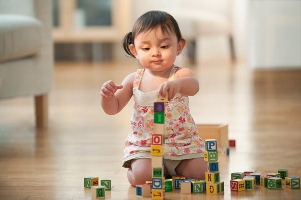 Dạy trẻ 2 tuổi học gì với trò chơi xếp hình đơn giản