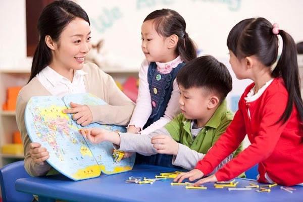 dạy trẻ 5 tuổi học tiếng Anh