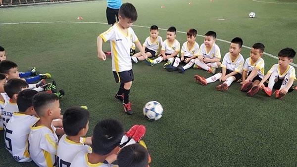 học ngoại khóa với các bộ môn thể thao