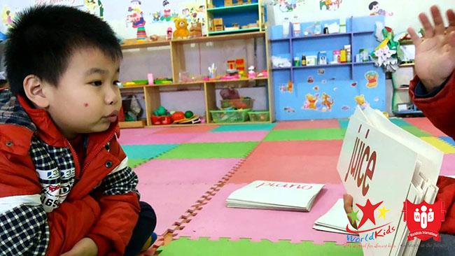 Thẻ flashcard được áp dụng phổ biến để dạy học tiếng anh cho trẻ 5 tuổi.
