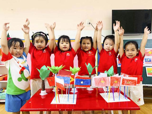6 nguyên tắc áp dụng phương pháp dạy trẻ Montessori.