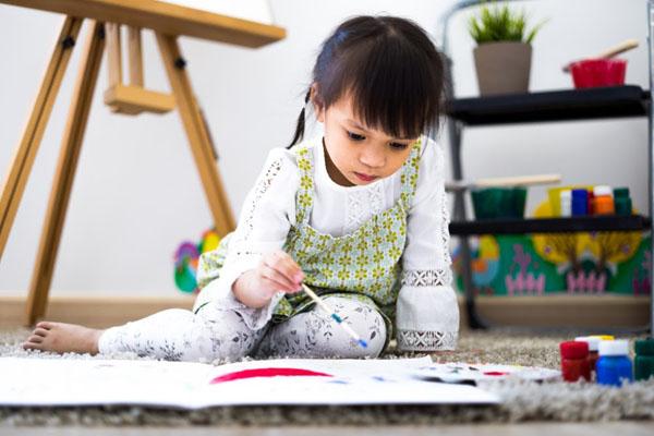 Phát hiện năng khiếu hội họa ở trẻ có thể phát triển từ rất sớm.