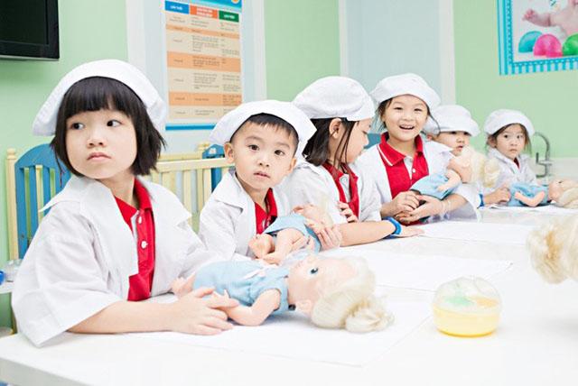 Chương trình học Montessori lấy tương lai bé làm tất cả.