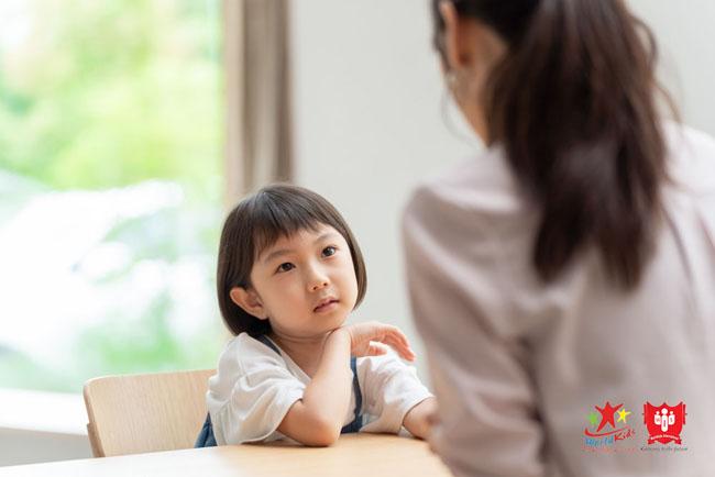Nắm bắt tâm lý trẻ 4 tuổi và cách giáo dục không la mắng