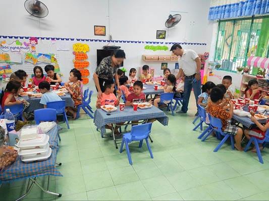 trường học cho bé 1 tuổi