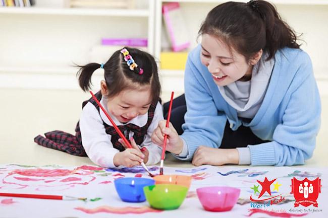 Vừa chơi vừa học giúp trẻ 5 tuổi thêm thích thú và chủ động hơn với tiếng Anh