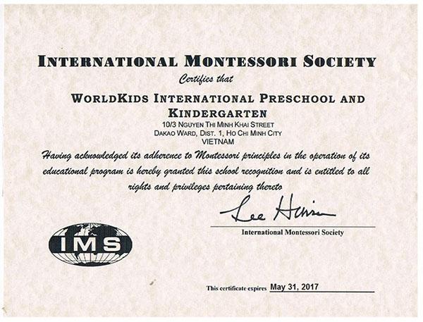 Một chứng chỉ công nhận của tổ chức Montessori gửi tới Worldkids - WIS