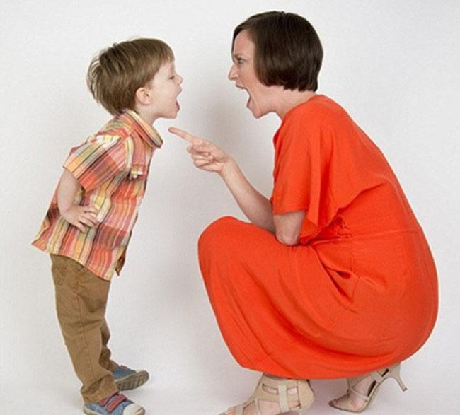 Cách dạy trẻ bướng bỉnh là một trong những điều nhiều bậc phụ huynh quan tâm.