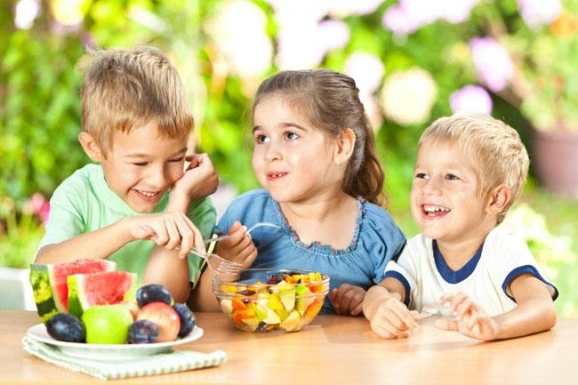 Mỗi bữa ăn bạn nên chế biến các món linh hoạt khác nhau, giúp kích thích vị giác bé ăn ngon miệng hơn