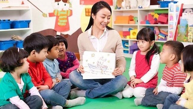 Cần quan tâm đến nhiều yếu tố khác nhau khi chọn giáo viên cho con