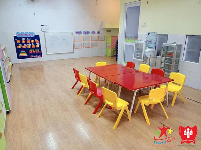 Đồ dùng và vật dụng cho trẻ tại trường mầm non cần đảm bảo an toàn tuyệt đối