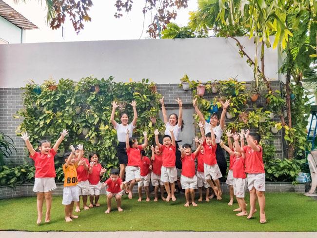 Cơ sở vật chất rộng rãi giúp trẻ thoải mái vui chơi, học tập