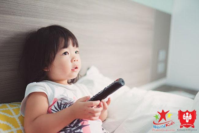 dạy trẻ 5 tuổi kỹ năng ở nhà một mình