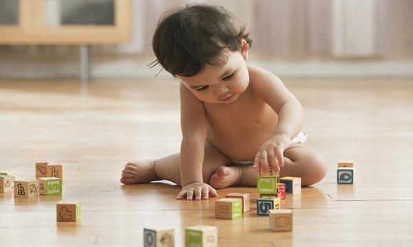 dạy trẻ 10 tháng tuổi