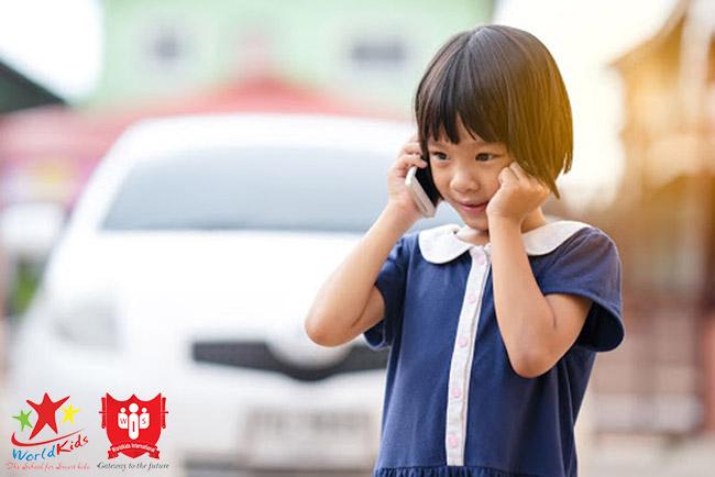 dạy trẻ kỹ năng ghi nhớ số liên lạc người thân