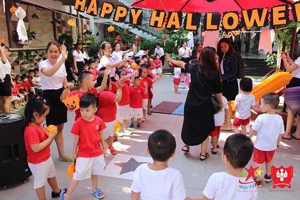 Một góc Lễ hội Halloween tại trung tâm dạy kỹ năng sống cho trẻ Worldkids Bình Tân