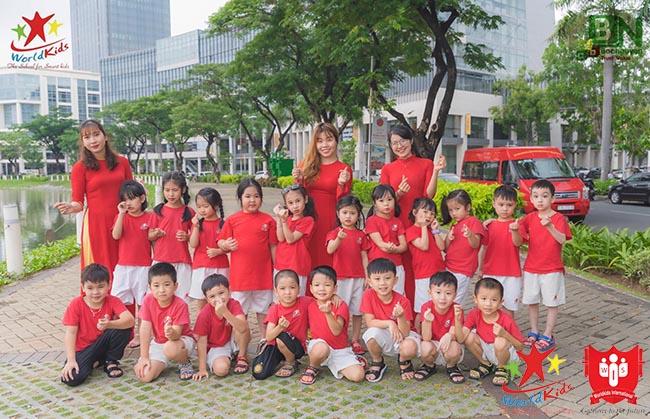 Kinh nghiệm chọn trường mầm non cho con giúp trẻ vững chãi vào đời.
