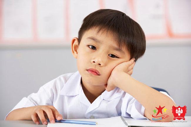 cách dạy trẻ học tiếng anh nhàm chán sẽ không tạo kết quả học tập tốt.