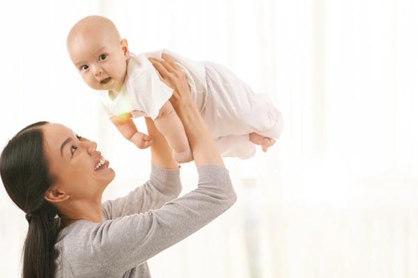 phát triển thị giác cho giai đoạn 4-6 tháng tuổi