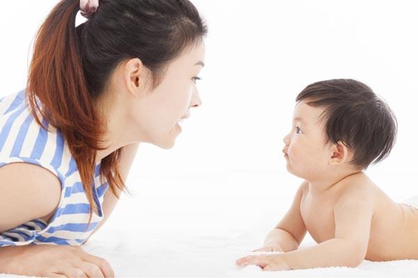phương pháp giáo dục sớm cho trẻ 0 - 12 tháng tuổi