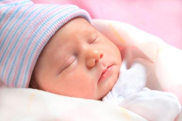 thời gian ngủ của trẻ 2 tháng tuổi