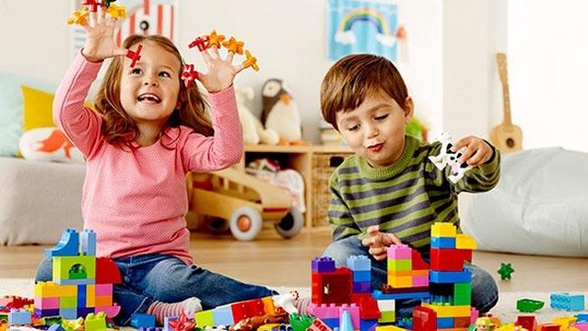 Trẻ thỏa sức kích thích thông minh sáng tạo với trò chơi xếp hình khối