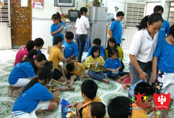 Các hoạt động tại lớp kỹ năng sống cho bé sôi nổi tạo động lực đến trường.