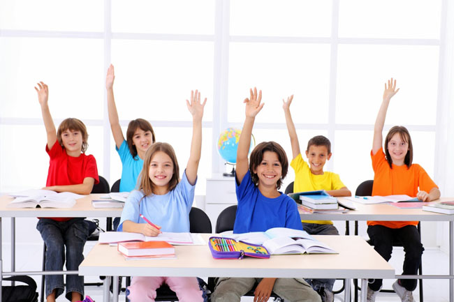 Sử dụng từ vựng đơn giản, phổ biến nhất giúp trẻ nhanh chóng tiếp cận với tiếng Anh